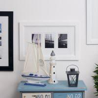 Макет яхты на комоде в детской комнате