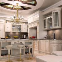 Классическая кухня с барной стойкой