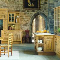 Дизайн кухни с каменными стенами