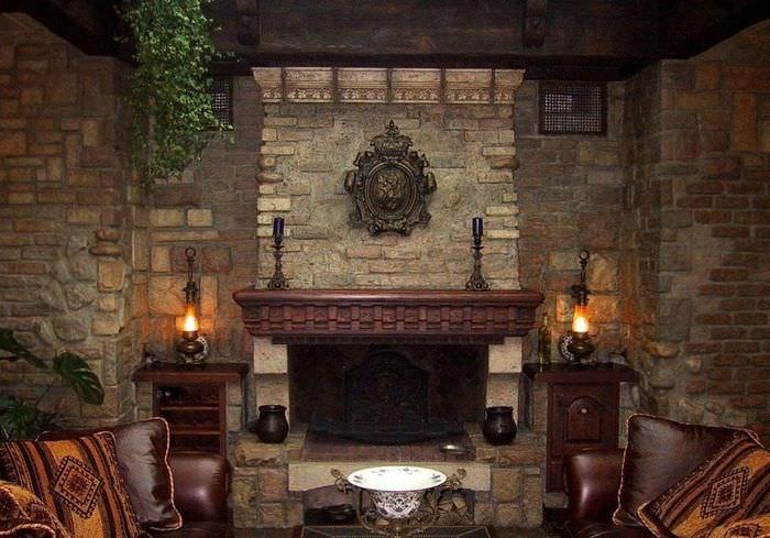 Оформление камина в стиле средневековья
