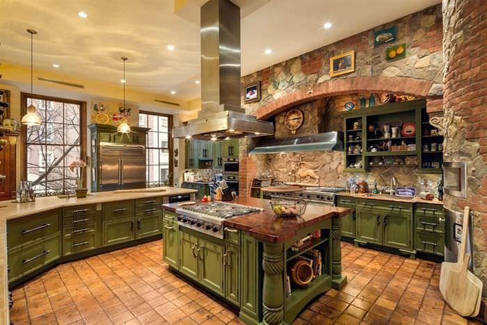 Кухонный остров из ценных пород дерева