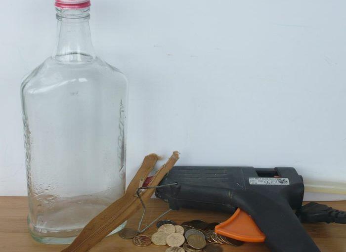Материалы для декорирования стеклянной бутылки
