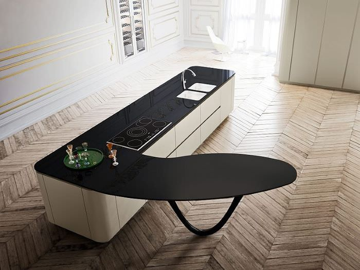 Кухонный остров с черной поверхностью нестандартной формы