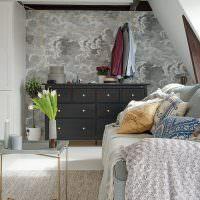 Дизайн гостиной в мансардном помещении