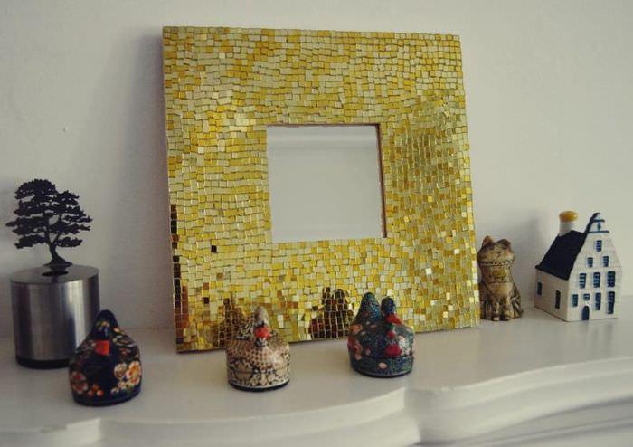 Мозаичная рамка для настольного зеркала своими руками