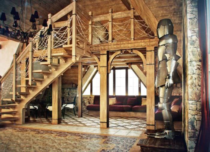 Статуя рыцаря в интерьере современной гостиной