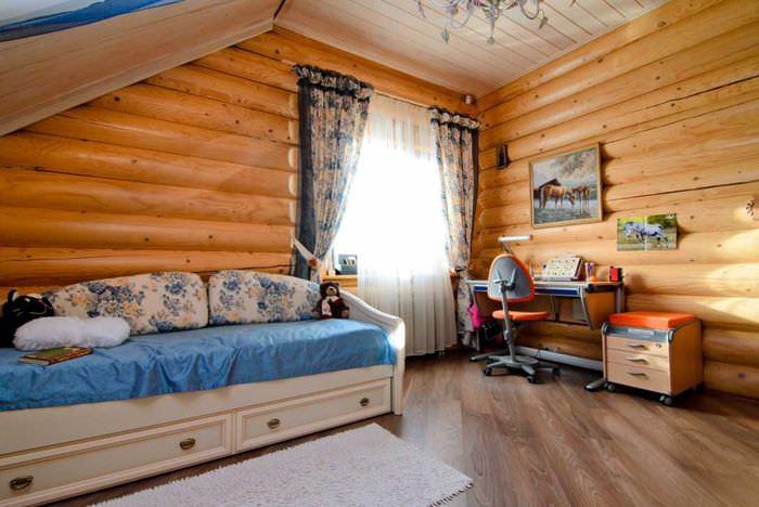Детская комната с диван-кроватью и рабочим местом