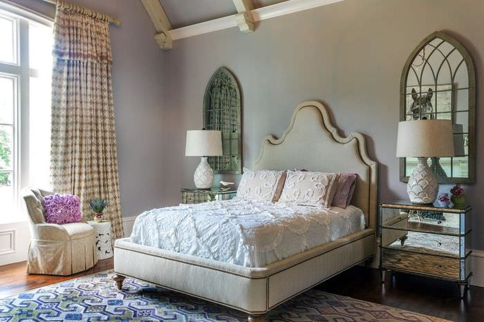 Отделка стен спальни в пастельных тонах