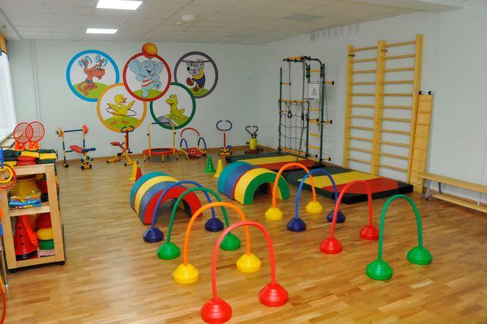 Интерьер спортивного зала в детском саду