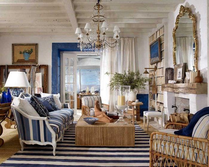 Красивая гостиная в средиземноморском стиле