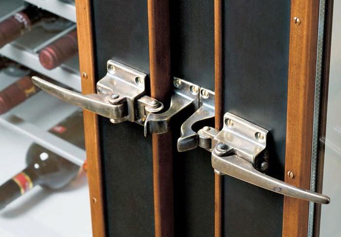 Стильные ручки кухонного гарнитура из бронзового сплава