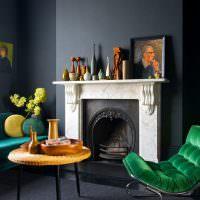 Стильное сочетание темно-синего цвета с зеленым оттенком