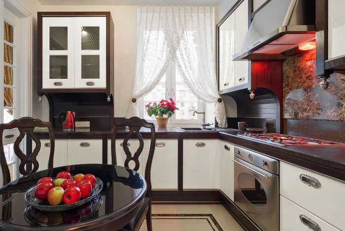 Дизайн привлекательной кухни в современной квартире