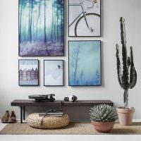 Композиция из модульных картин на белой стене