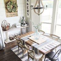 Использование деревянных предметов в декоре комнаты