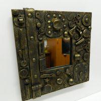 Небольшое зеркало с рамкой в стиле стимпанк