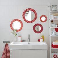 Декорирование зеркал кружевными салфетками