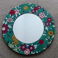 Украшение зеркала с помощью акриловых красок