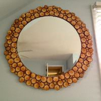 Деревянная рамка из небольших кружочков