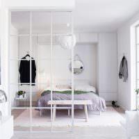 Декоративная ширма между спальней и гостиной