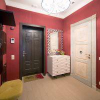 Оформление интерьера просторной прихожей в квартире