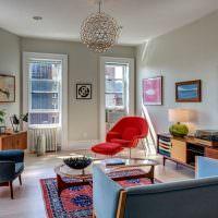 Интерьер угловой гостиной в квартире кирпичного дома