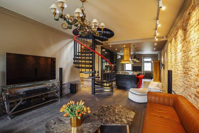 Винтовая лестница из металла в интерьер квартиры в стиле эклектика