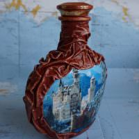 Древний замок на стеле бутылки