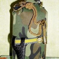 Подарочная бутылка в камуфляже цвета хаки