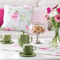 Праздничная сервировка кофейного столика