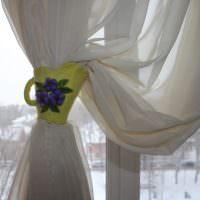 Зажим для шторы в виде фарфорового бокала