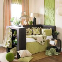 Уютный диванчик в детской комнате