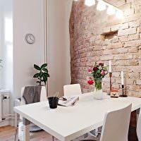 Имитация кирпичной стены в интерьере кухни