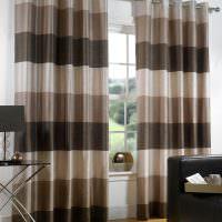 Полосатые шторы в дизайне гостиной