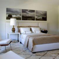 Декор спальни с помощью стильных картин