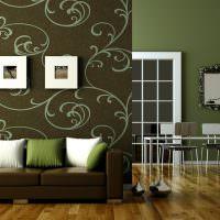 Декоративные подушки зеленого и белого цветов