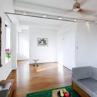 Раздвижная перегородка в частном доме