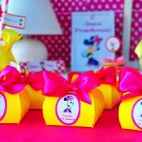 Яркие коробочки для детских подарков