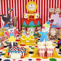 Декор праздничного стола бумажными фигурками