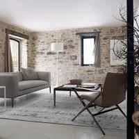 Кирпичные стены в интерьере гостиной