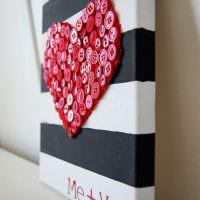 Сердечко из красных пуговиц для декора интерьера