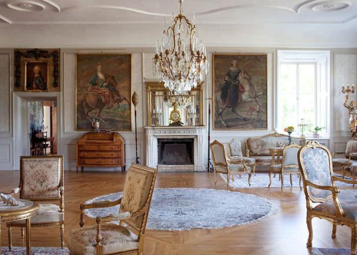 Картины в гостиной стиля барокко