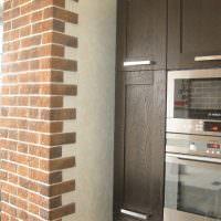 Мягкий декоративный камень на кухне в частном доме