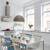 Имитация кирпича в кухне-гостиной