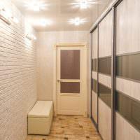 Шкаф-купе в узком коридоре