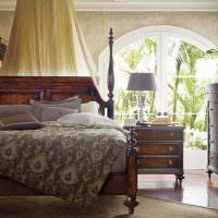 Деревянная мебель в спальном помещении