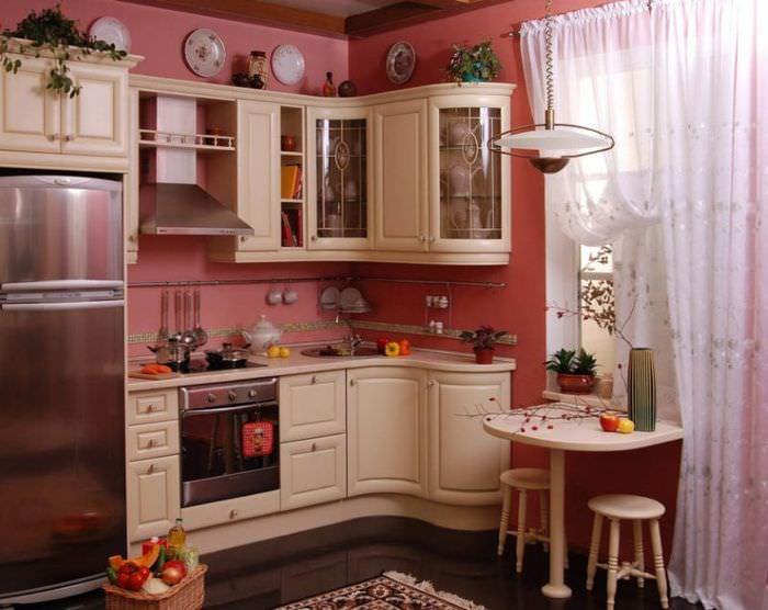 Красивая угловая кухня в классическом стиле