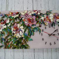 Оригинальные часы с цветной мозаикой
