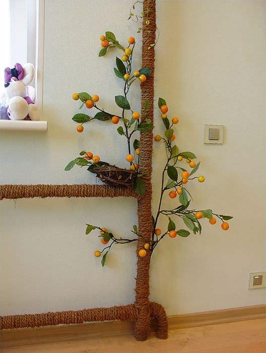 Декорирование стояка отопления с помощью джутовой веревки