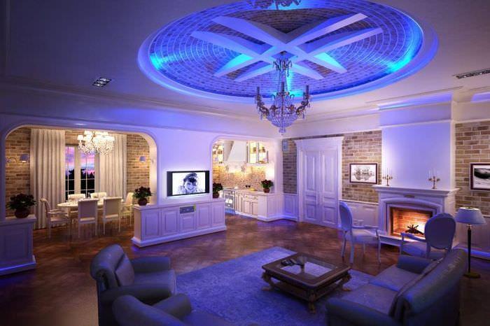 Освещение в гостиной с высоким потолком